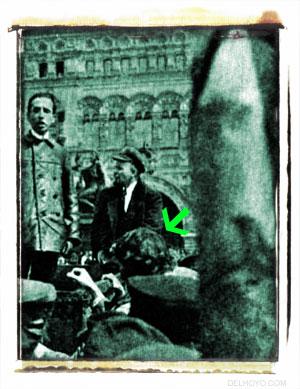 Inessa Fedorovna contempla arroba a su Lenin