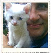 Dicky del Hoyo y Negu (el gato es el que está delante)